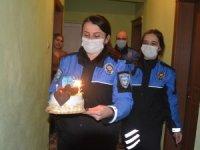 Hakkari polisinden doğum günü sürprizi