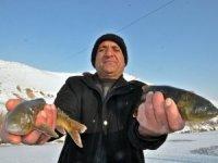Derede 'Eskimo usulü' balık avı