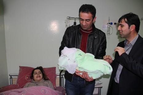 20014-yilinin-ilk-bebegi-2.jpg