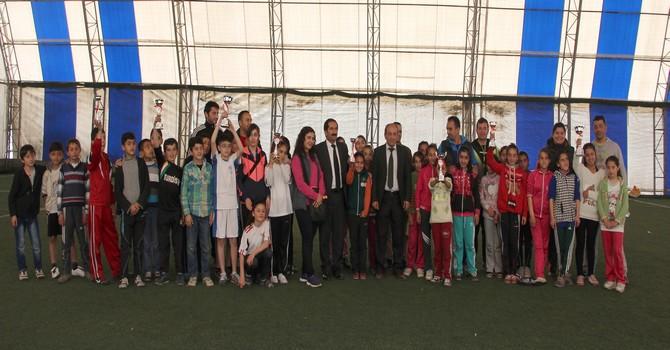 badminton-turnuvasi-1-001.jpg