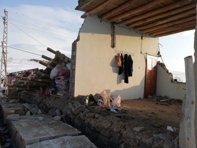 baskale-deprem-1.jpg