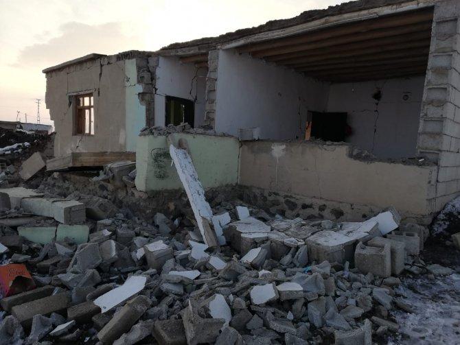 baskale-deprem-2-001.jpg