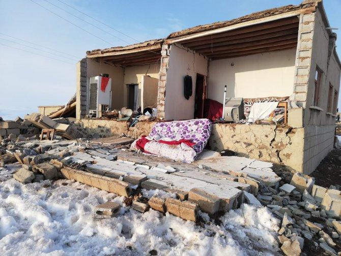 baskale-deprem-3.jpg