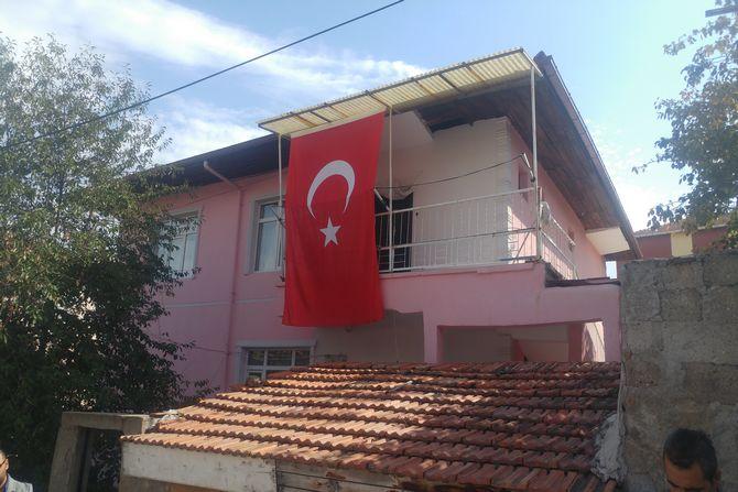 bayrak-sehit-evi.jpg