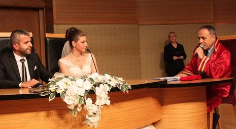 gazeteci-kurt-1.jpg