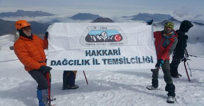 gurcistan-kazbek-dagi-6.jpg