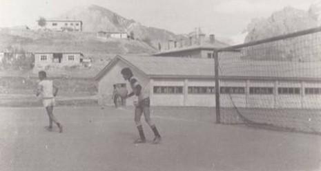 hakkâri-sehir-stadi–1976.20120822145849.jpg