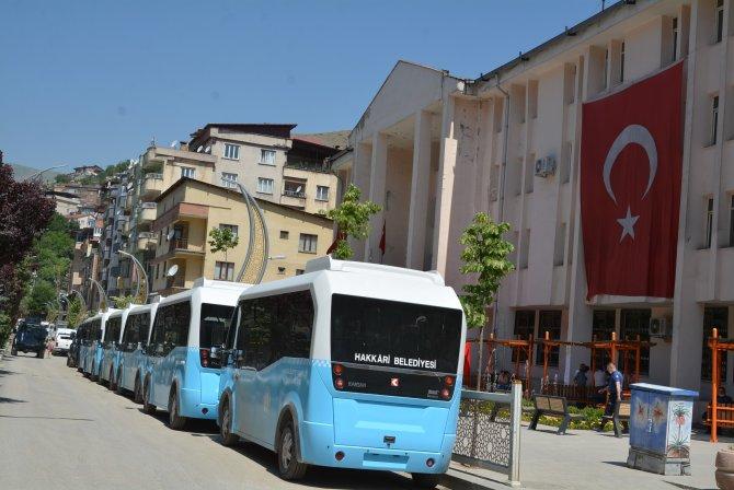 hakkari-belediyesi-minibus.jpg