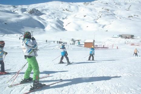hakkari-de-kayak-sezonu-acildi-2.jpg