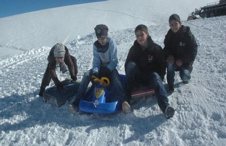 hakkari-de-kayak-sezonu-acildi-4.jpg