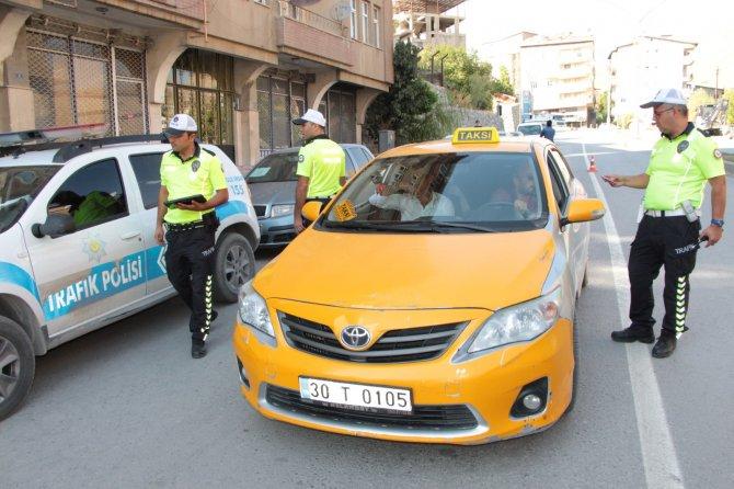 hakkari-taksimetreye-gecti-2.jpg