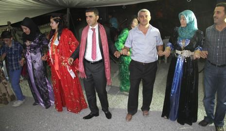 hakkariden-diyarbakir-kulpe-gelin-1.jpg