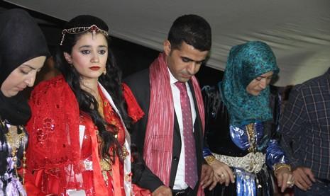 hakkariden-diyarbakir-kulpe-gelin-3.jpg