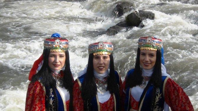 inci-kefal-gocu-kultur-ve-sanat-festivali-basladi.jpg