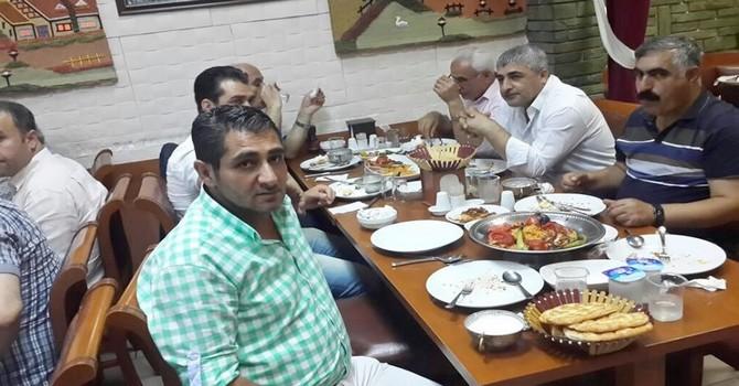 istanbul-iftar-yemegi-1.jpg