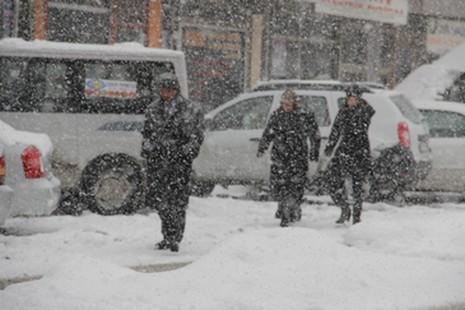 kar-yagisi-2.20120216120816.jpg