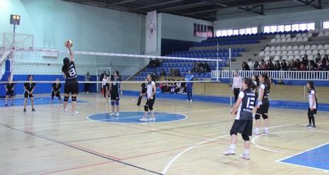 kiz-ve-erkek-voleybol-turnuvasi-1.jpg