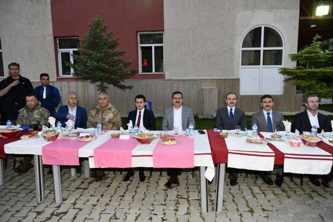 ozl-idare-iftar-yemegi-1.jpg