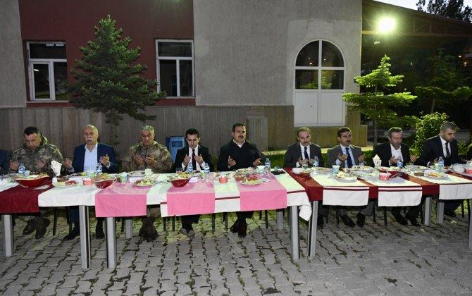 ozl-idare-iftar-yemegi-3.jpg