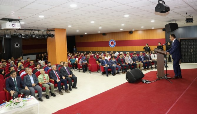prof.-dr.-fuat-sezgin-yili-konferansi-duzenlendi-2.jpg