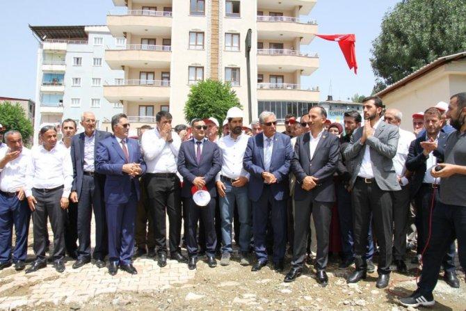 semdinli-belediyesi-hizmet-binasi-temeli-atildi.jpg
