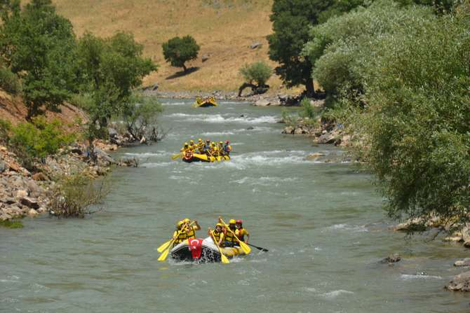 sirnakta-sosyal-mesafeli-rafting--2.jpg