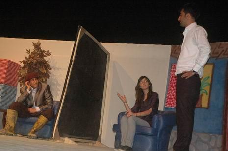 tiyatro-1.20110609193708.jpg