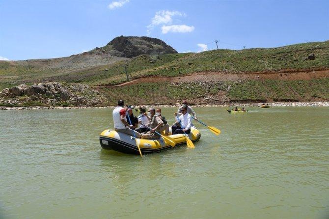 vali-rafting.jpg