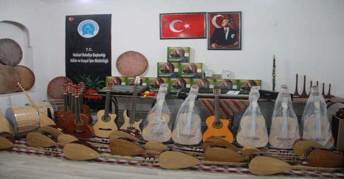 vali-toprak-kultur-merkezine-ziyaret-4.jpg