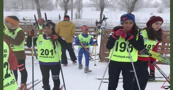 yuksekova-kayak.jpg